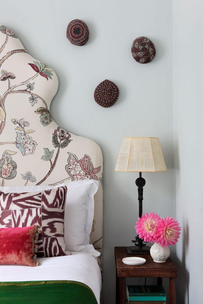 Идеи стены галереи со шляпой стена висящей шляпы на стене