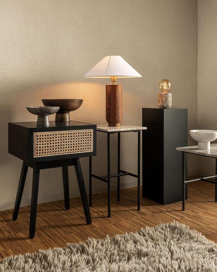 комната с современной мебелью